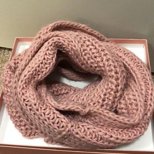 Accessories - 💗Knitted Tube Scarf💗